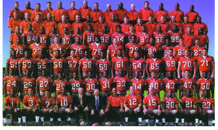 1999 Season 24 Tampa Buccaneers Team Picture