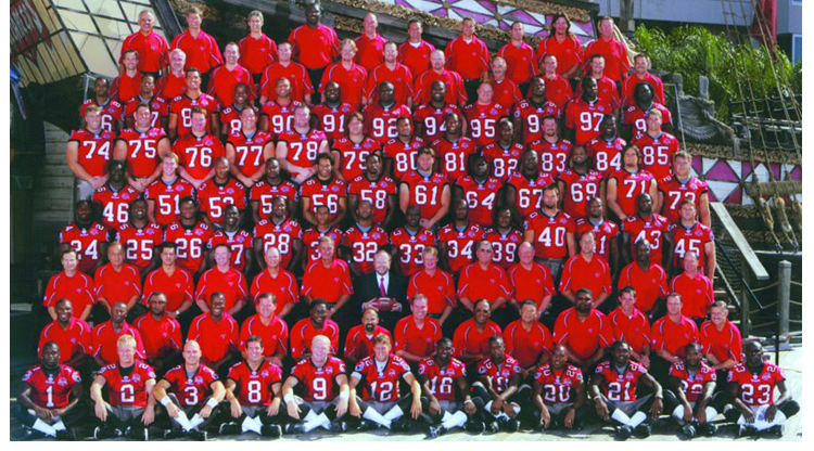 2005 Season 30 Tampa Buccaneers Team Picture